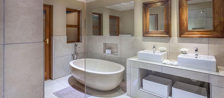 Dezeekoe Main House Bathroom