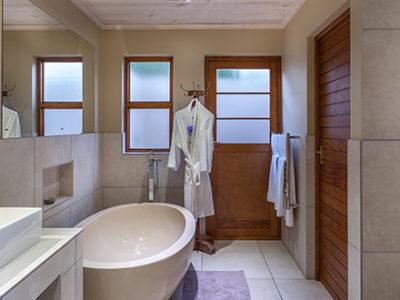 Oudtshoorn Guest House Honeymoon Room