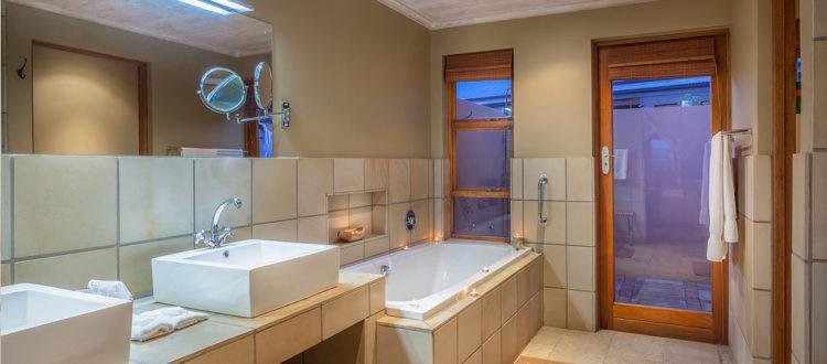 Oudtshoorn Guest House Superior Room