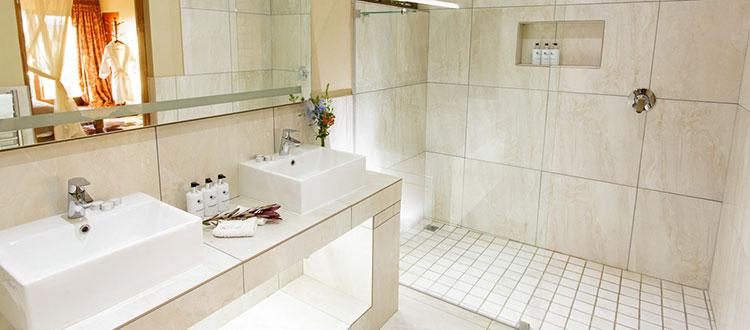 Dezeekoe Oudtshoorn Deluxe Bathroom